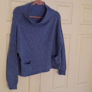 Long sleeve blue heather light sweater